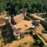 chateau-medieval-guedelon-france-020