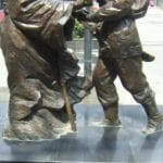 Statue-of-Mulan-being-welcomed-home